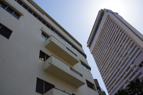 white city walking tour in tel aviv